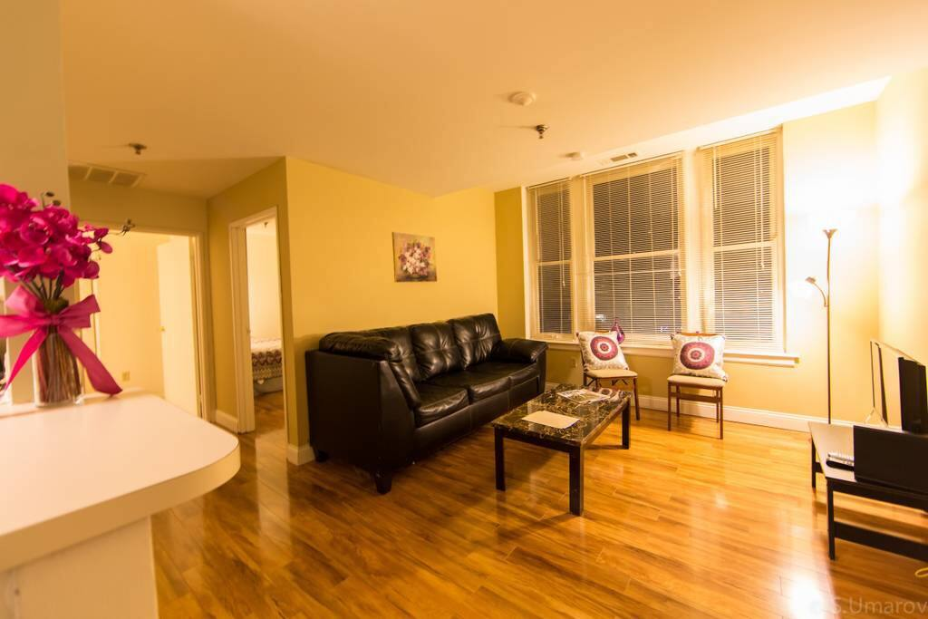 Contemporary 2 Bedroom In The Heart Of The City Apartments For Rent In Memphis Tennessee