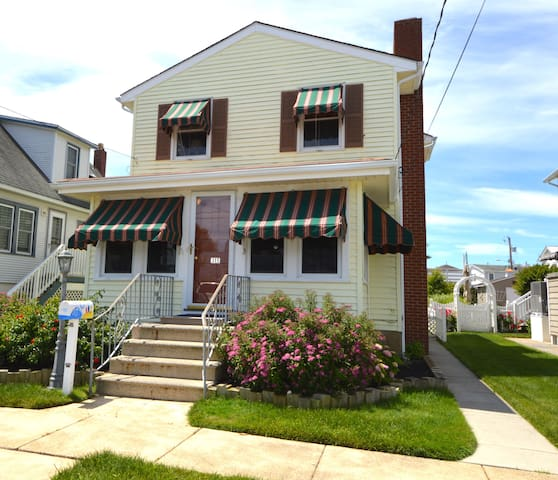 Spacious 4-bedroom home near downtown Stone Harbor - Stone Harbor - House