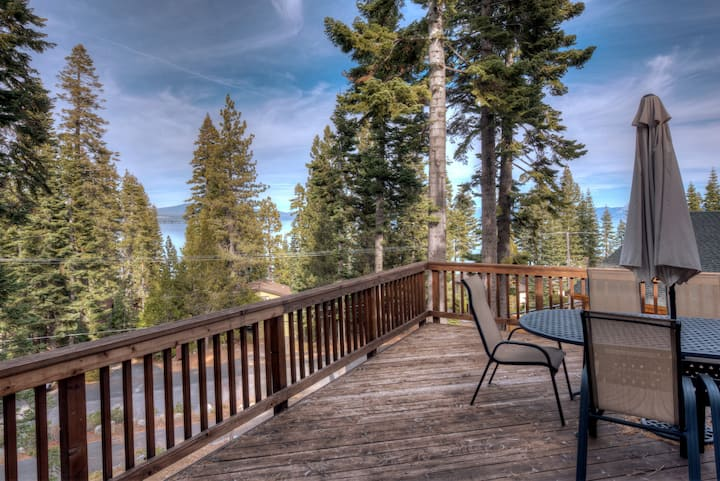Tahoe Family Cabin | Sleep 8 | Walk to the lake