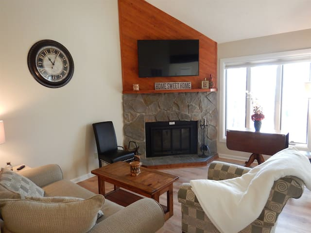 🏔️❤️ Gorgeous Wintergreen Condo – 2-min to Slopes