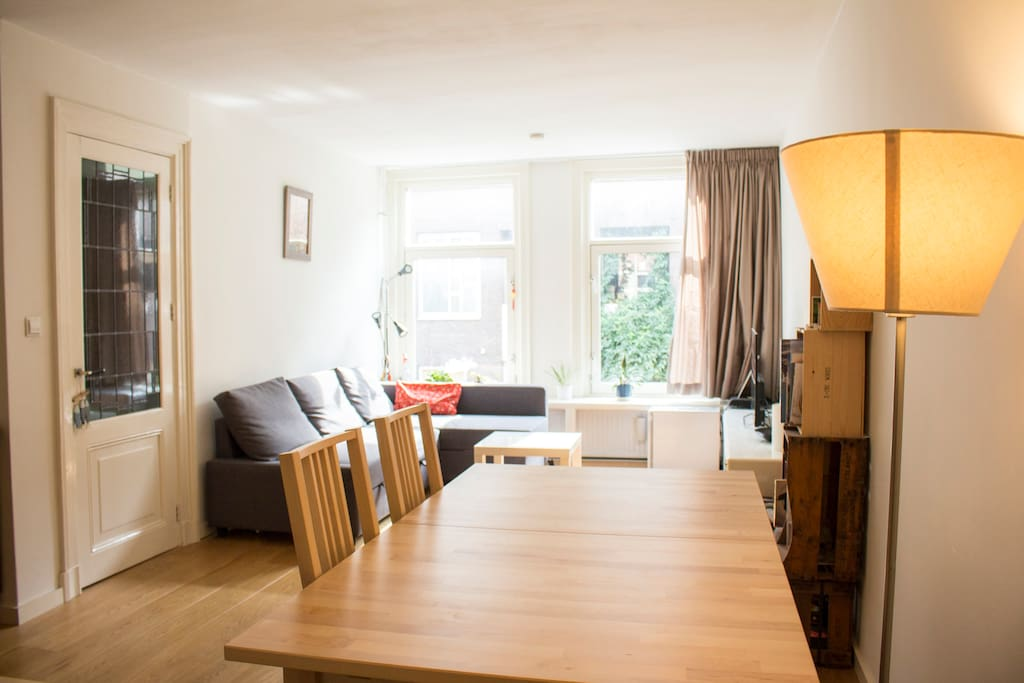 South-facing, 1st floor apartment right next to Albert Cuyp market & Sarphatipark