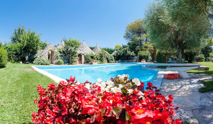 Trulli Country Golf: Luxury Trulli Complex with Pool & Golf Course - Gioia del Colle - 一軒家