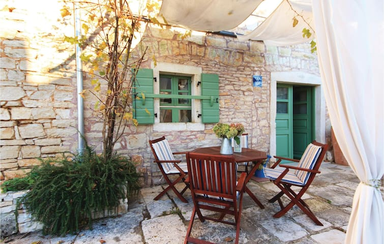 Terraced house with 2 bedrooms on 67 m² in Rapanji