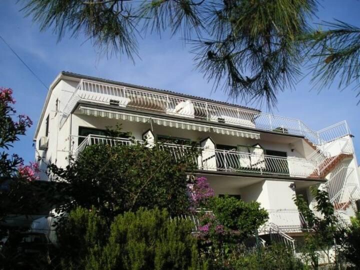 Apartman 1 ,wifi,air-condition,free parking