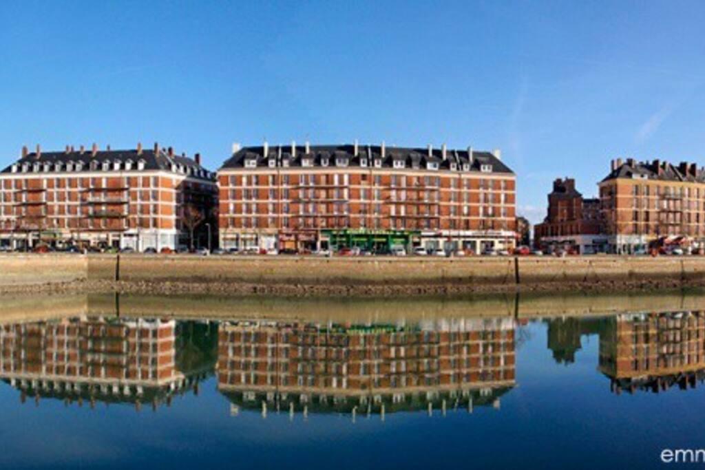 Charmant f2 sur bassin du roi appartements louer le havre normandie france - Bassin pour balcon le havre ...