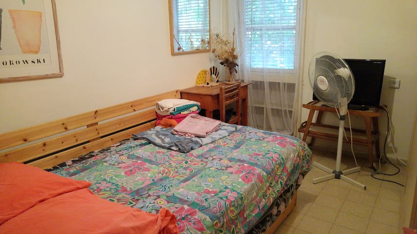 Nice room in Tel Aviv near university and beach