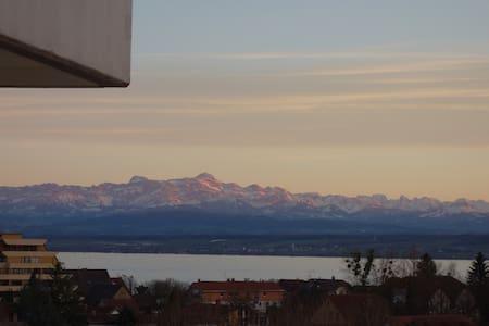 Große Ferienwohnung mit See & Alpenblick - Meersburg
