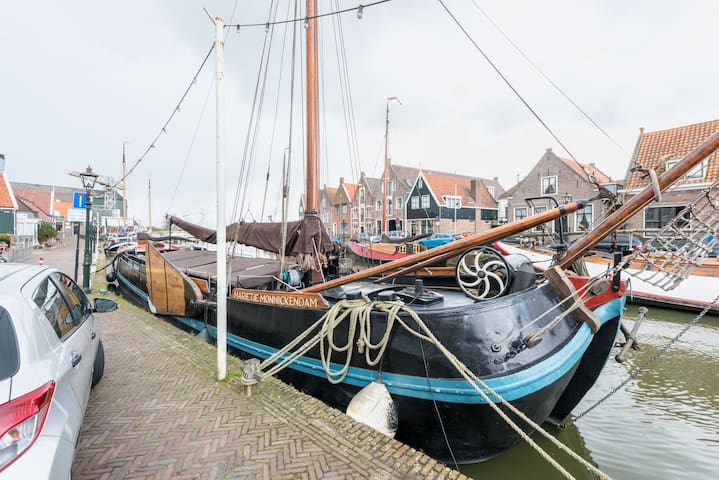 Charming ship close to Amsterdam - Monnickendam - Boat