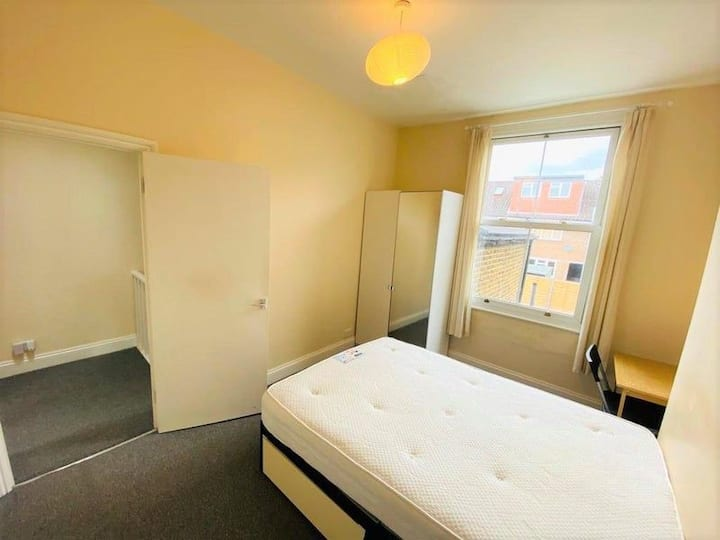 Archway double bedroom long and short term