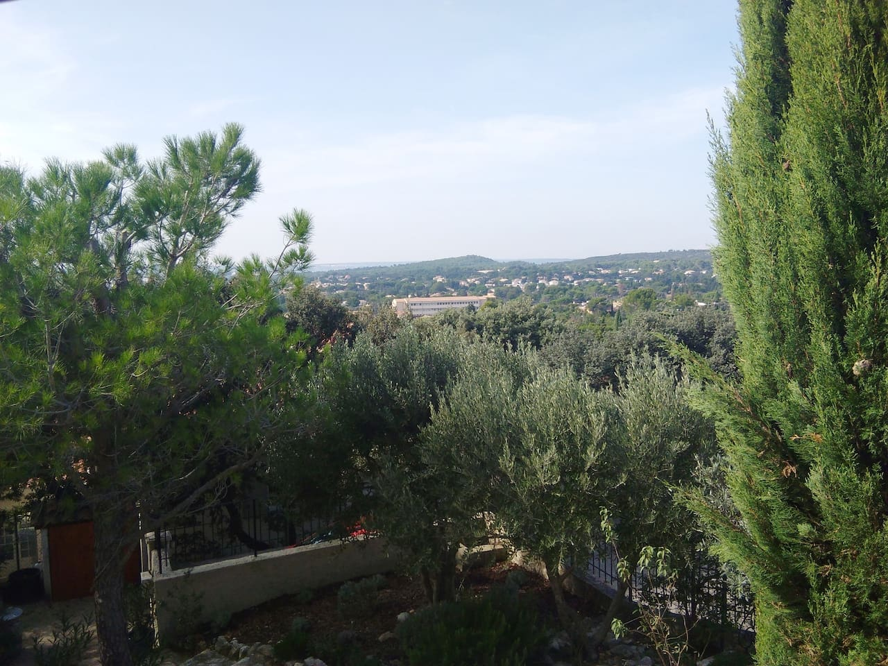 Vue sur le Gard et la vallée du Rhône