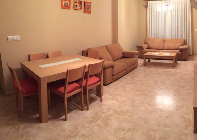 Bonito piso a 15' de la playa - Gandia - Apartamento