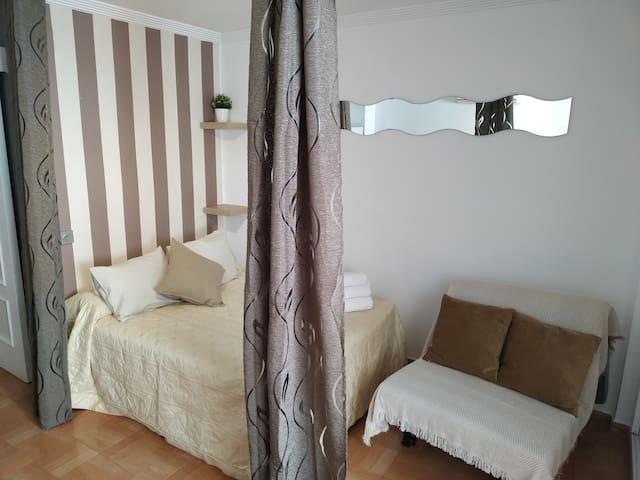 Apartamento en Benalmádena costa WIFI, A/C TV