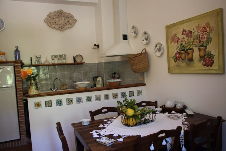 VillaOceri, appartamento in villa- Magnolia