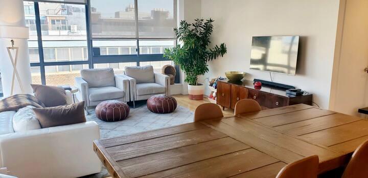 Light drenched, modern corner suite