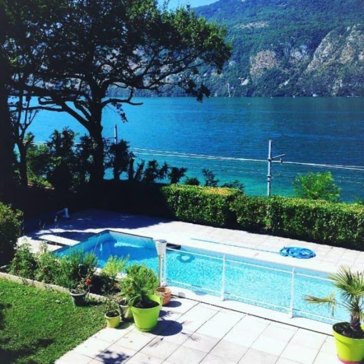Villa au bord du lac du Bourget