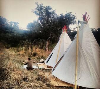 Tipi Cheyenne Aborigen - El Hoyo