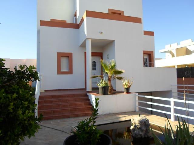 Preciosa casa en Cala de Bou cerca de la playa - Sant Josep de sa Talaia