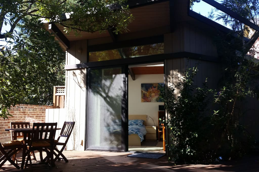 Modern garden studio in palo alto houses for rent in for Large garden studio