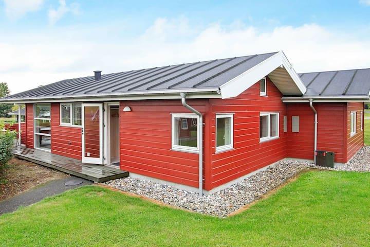 Gemütliches Ferienhaus in Tranekær am Meer