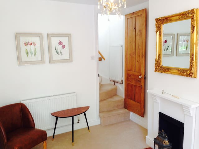 A Shropshire Pad : Boutique Self-Catering Cottage - Shrewsbury - Townhouse