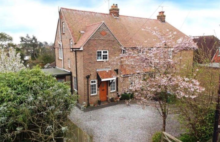 Family home in Angmering village, 2 miles to sea