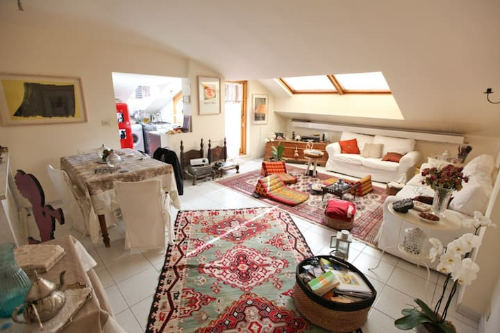 Cozy Loft with lovely terrace close to the center - Bologna - Hus