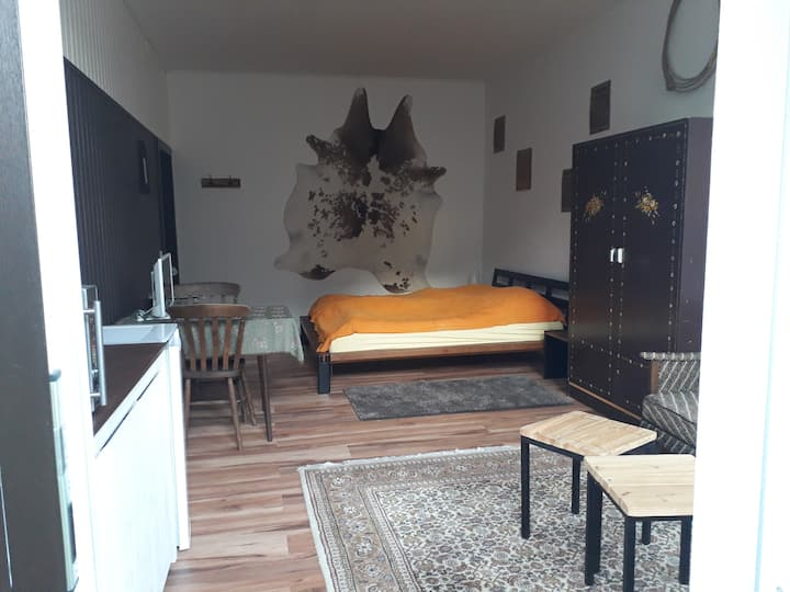 Einzimmerapartment II auf Westernreithof nahe Bonn