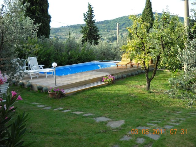 B. & B. Casale Asciolo - Le Case San Romolo - Bed & Breakfast