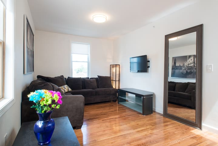 Awesome apartment near Boston | FREE PARKING!