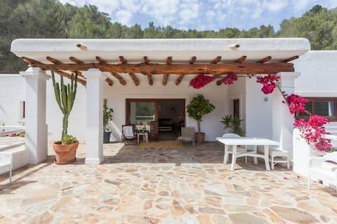 Romantic Private Villa in Ibiza 1 bed