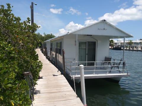 Key West Aqualodge #5- Brand New! Beautiful View!