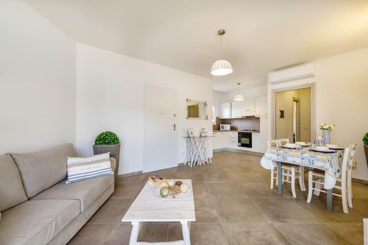 CANEIS RESORT.  Arbusto apartment