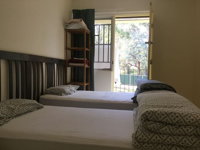 Private twin room #3 - 9km from Parramatta