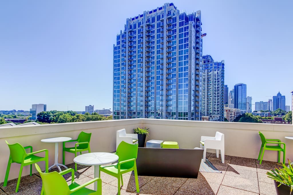 Top floor high rise condo in heart of downtown condominiums for rent in charlotte north for 4 bedrooms for rent in charlotte nc