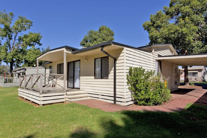 Lake Hume Cottage