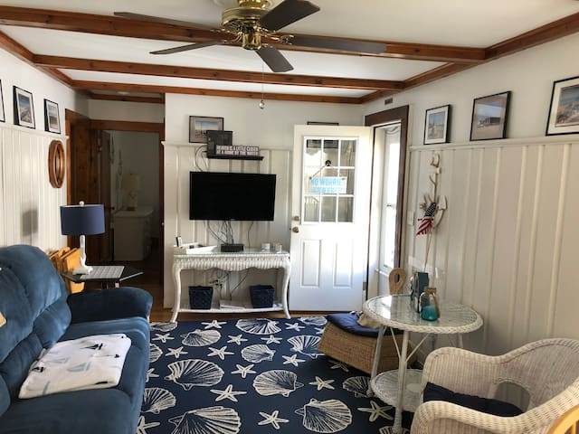 Nautical summer cottage awaits your next vacation