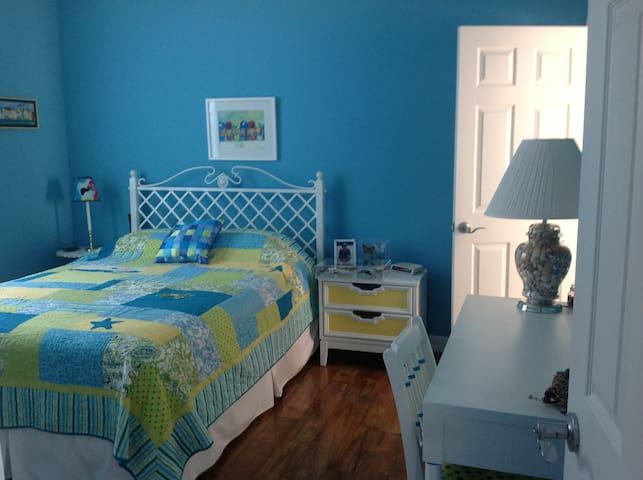 Pine Island Blue Room