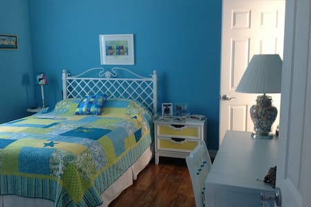 Pine Island Blue Room - Saint James City