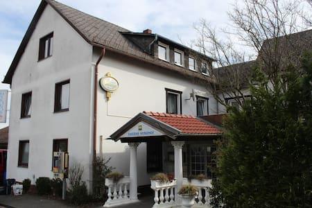 Große Ferienwohnung im Westerwald - Horhausen (Westerwald) - Huoneisto