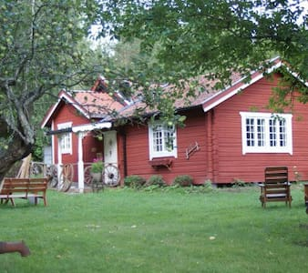 Stuga i lantlig miljö - Sigtuna - House
