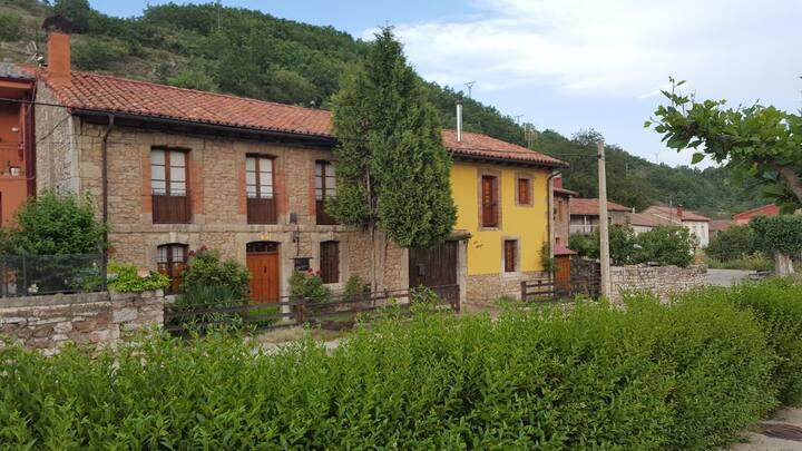 Acogedora Casa Rural en la montaña leonesa.