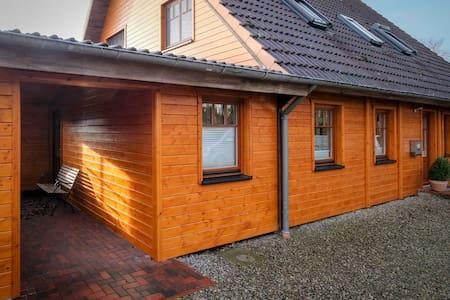 Ferien im Holzhaus in Ostseenähe