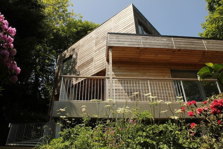 Architect Designed Eco-house in Little Haven.