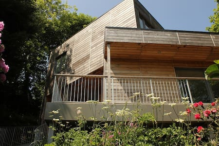 Architect Designed Eco-house in Little Haven. - Little Haven - Hus