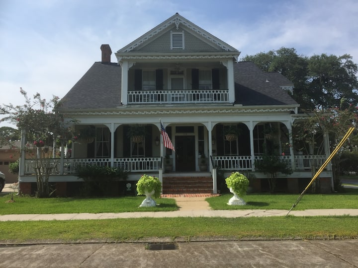 New Orleans Suite, Victorian Home in Franklin, La