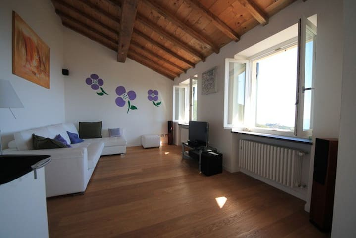 Seaview Terrace Apartment near Cinque Terre
