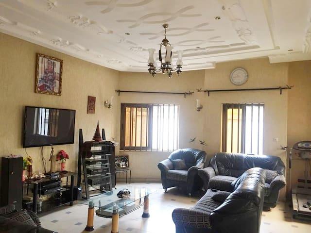 Appartement à 20 mn de l'UAC Calavi