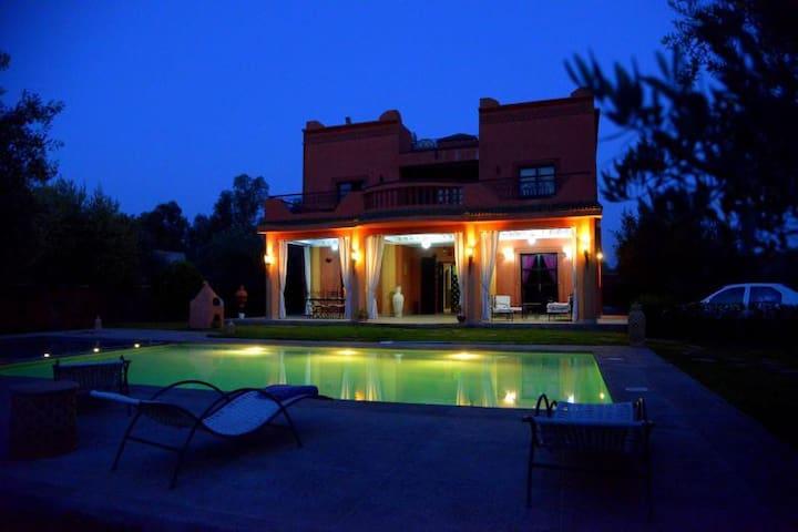 villa avec piscine devant  l atlas - Marrakesh - Vila