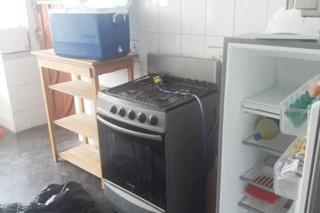 Cocina equipada con posibilidades a que la puedan usar.