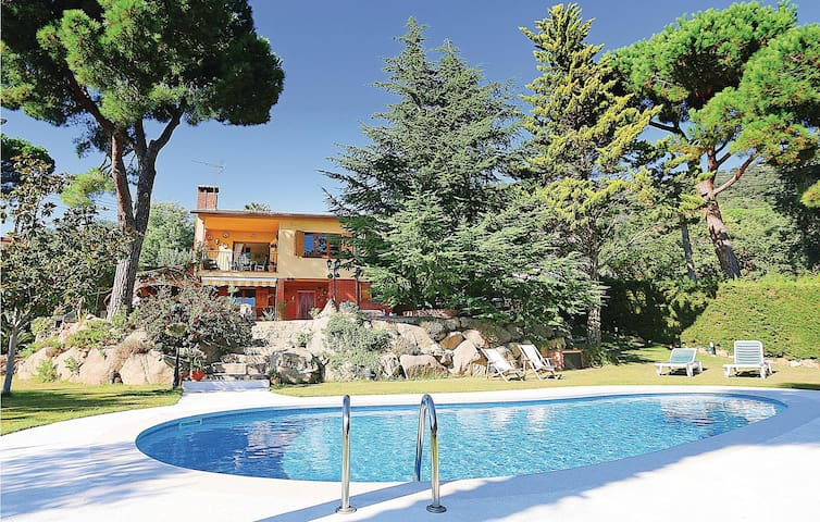 Holiday apartment with 4 bedrooms on 100 m² in Santa Cristina d'Aro